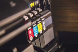 איך בוחרים ראשי דיו וטונרים למדפסות אונליין?